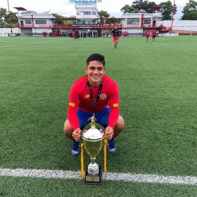 Joshua Espinoza comparte su experiencia en el fútbol